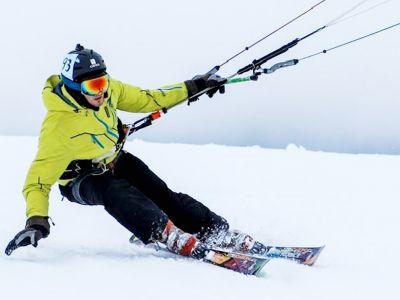 Snowkiting-obrázok